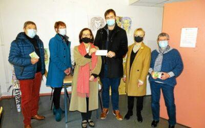 Le Club Soroptimist de Lannion a remis un chèque de 1900€ pour Le Pas