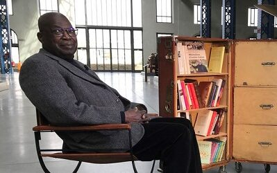 AKIRO dans la bibliothèque vagabonde avec Kofi Yamgnane sur France 3